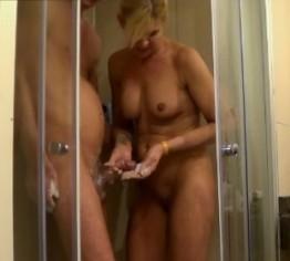 erotikmassage magdeburg masturbation unter der dusche