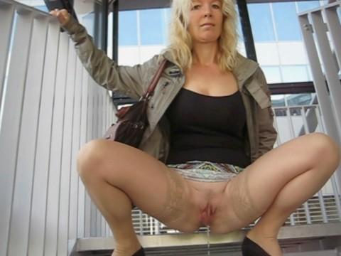 intimdusche anwendung putzfrau nackt